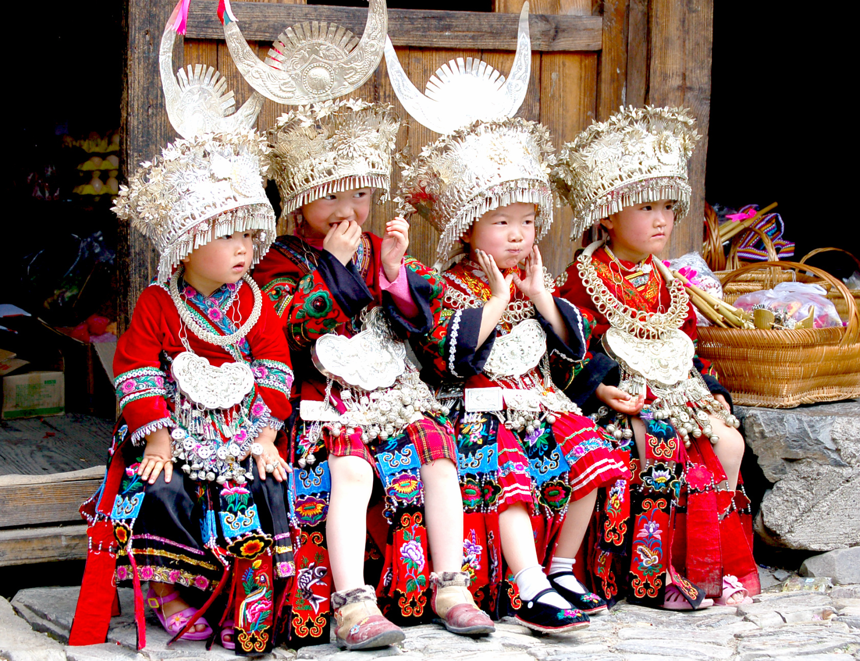 china_ethnic_cultue_tour_with_miao_minority_culture.jpg